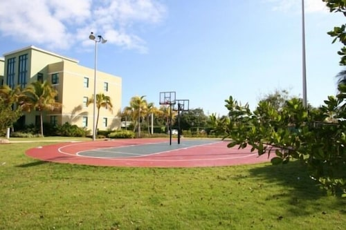 Basketball Court, Aquatika