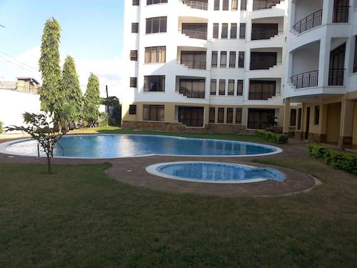 Pet Friendly Hotels in Central Kenya Coast: $30 Dog Friendly