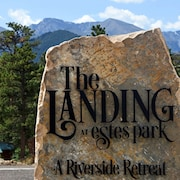 The Landing at Estes Park - Riverside Retreat