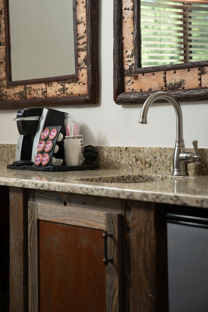 Coffee and/or Coffee Maker, The Landing at Estes Park - Riverside Retreat