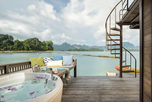 500 Rai Khao Sok Floating Resort