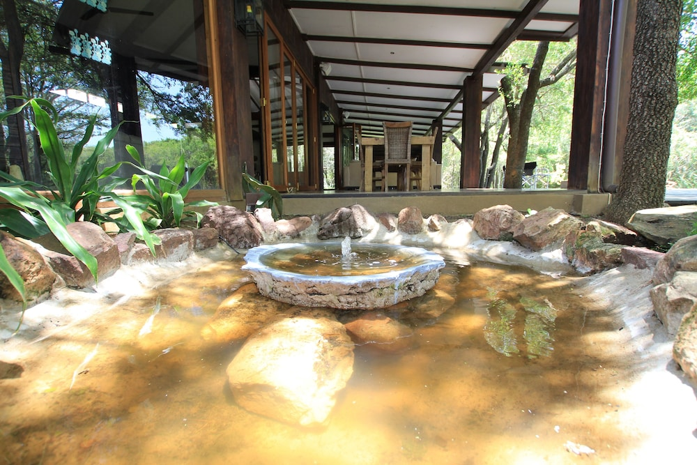 Fountain, Jacana Lodge