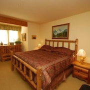 Tenderfoot Lodge 2 Bedroom Holiday home by Key to the Rockies