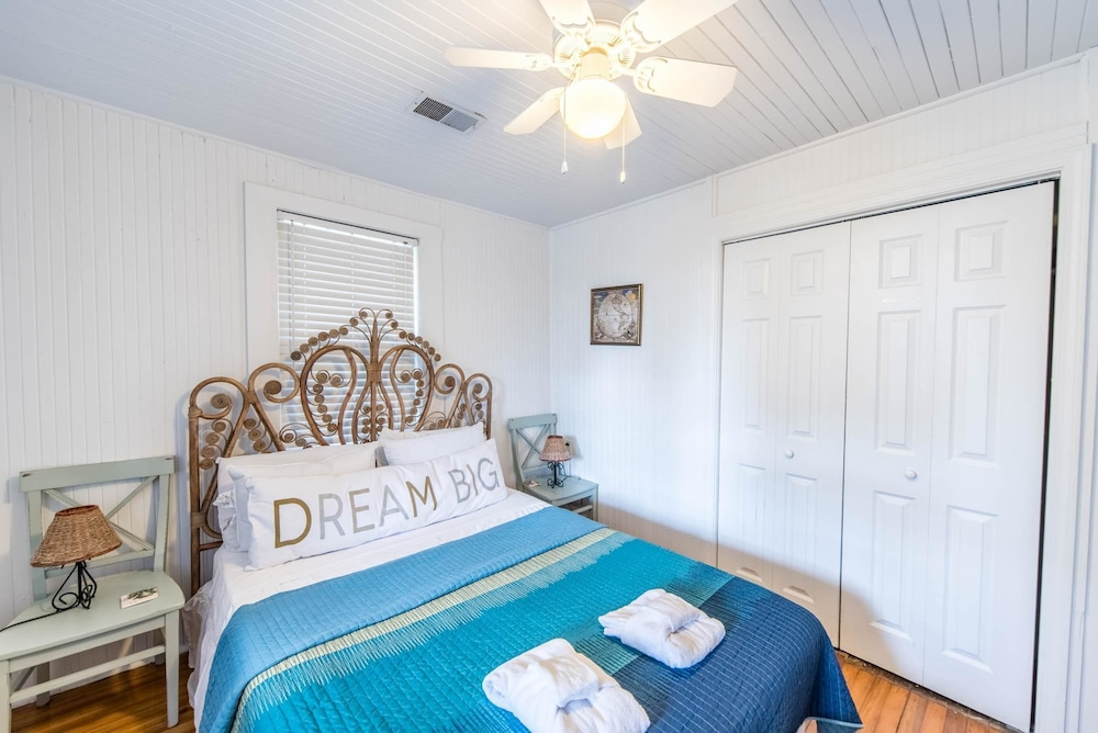 E Arctic 412 2 Bedroom Holiday Home By My Ocean Rentals In Charleston Hotel Rates Reviews On
