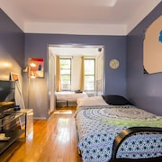 East Village Beach Bungalow Getaway 1BR