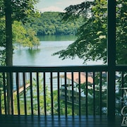 Ma Cook Lodge 4 Bedroom Holiday home by Norris Lake