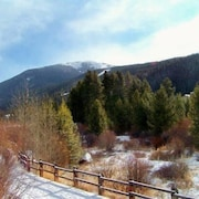 Ski Run Condominiums 2 Bedroom Apartment by Key to the Rockies