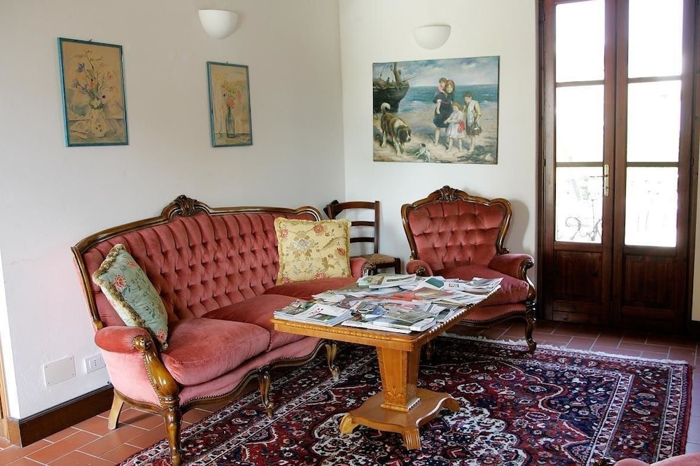 Living Room, Bricco San Giovanni