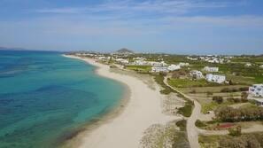 Private beach, white sand, beach towels, beach massages