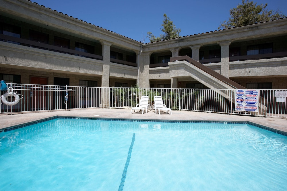 Premier inns thousand oaks 2018 room prices from 60 deals exterior detail featured image solutioingenieria Image collections