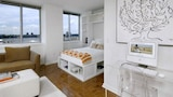 Midtown West Furnished Apartment - New York Hotels