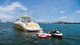 Miami Beach Luxury Yacht Charters - Miami Beach Hotels