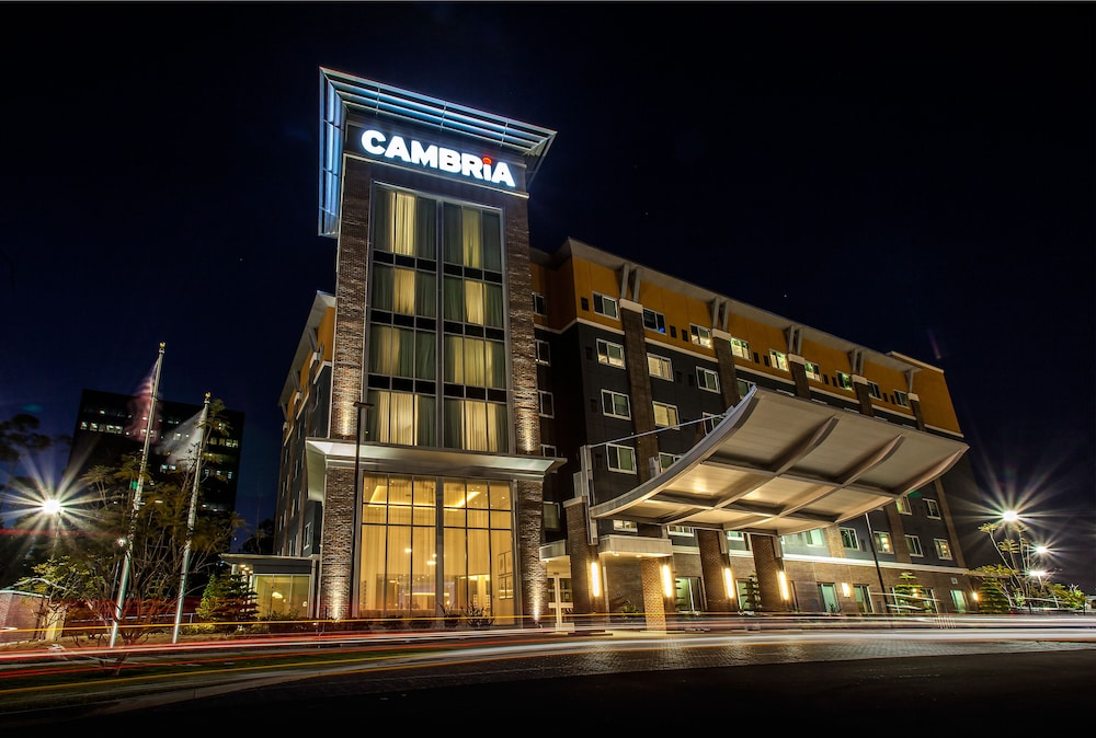 Front of Property, Cambria Hotel LAX