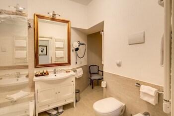 Eitch Borromini Palazzo Pamphilj Rome 2020 Room Prices