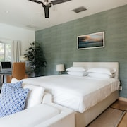 onefinestay-Downtown Miami private homes
