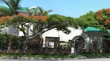 Aloha Bed and Breakfast - East London Hotels
