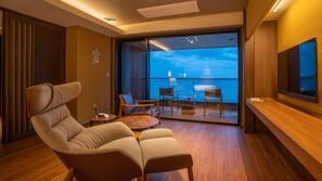 Premium bedding, free minibar items, in-room safe, free WiFi