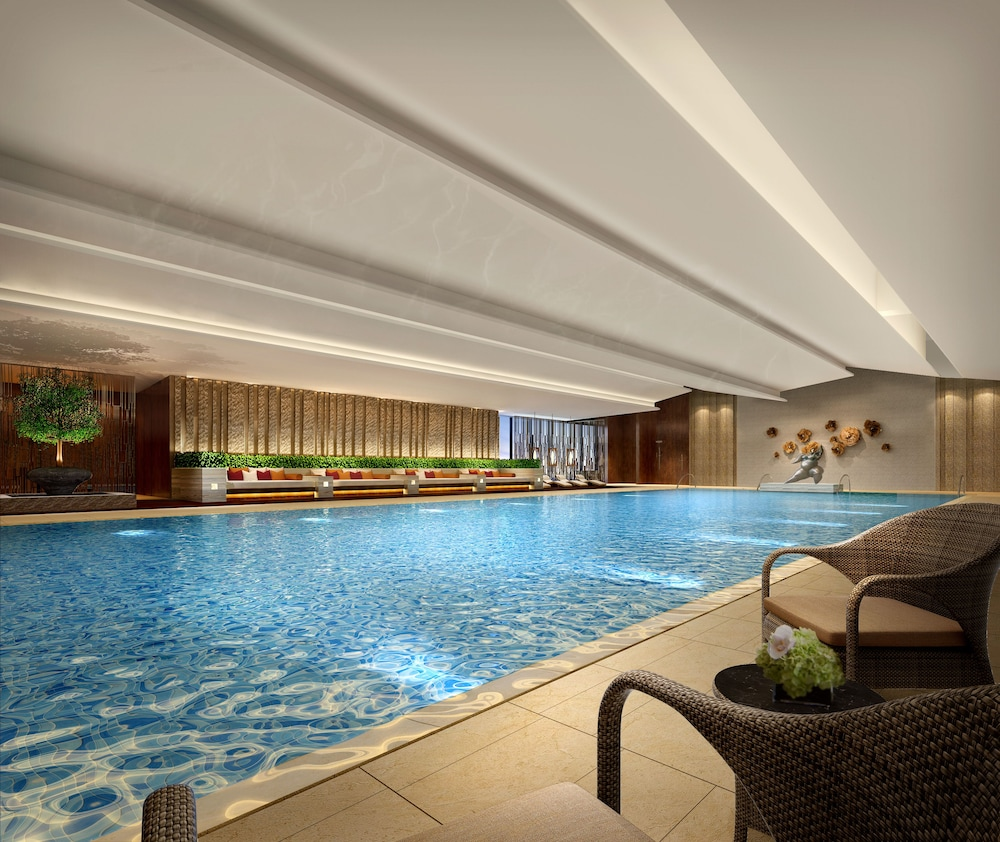Indoor Pool, HUALUXE Hotels & Resorts Zhangjiakou - An IHG Hotel