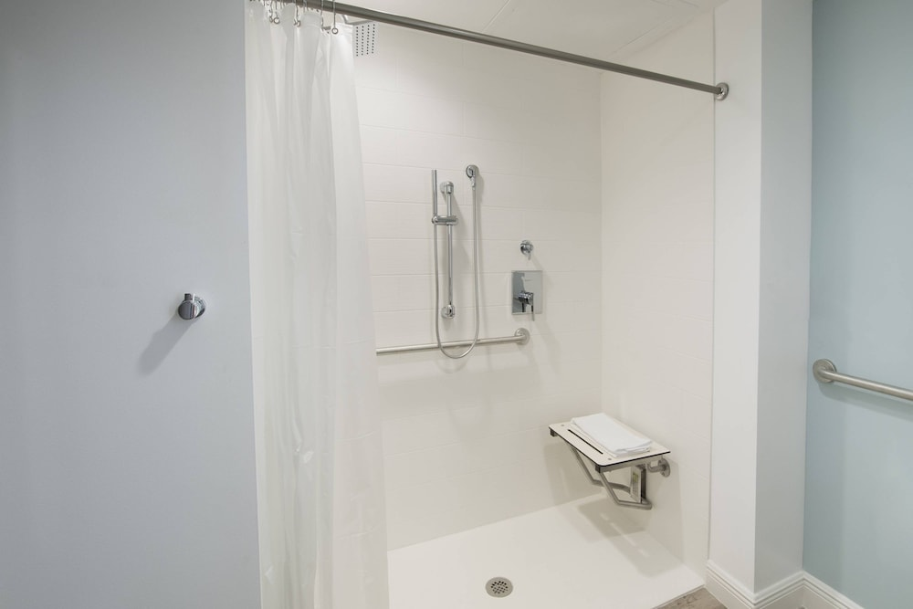 Bathroom, SpringHill Suites by Marriott Navarre Beach