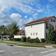 3144 VillaSol Townhome 3 Bedroom by Florida Star