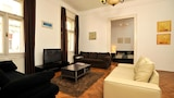 Grand Central Astoria 2 Bedroom Apartment by UnB - Budapest Hotels