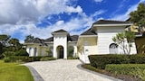 1200 Reunion House 6 Bedroom by Florida Star - Kissimmee Hotels