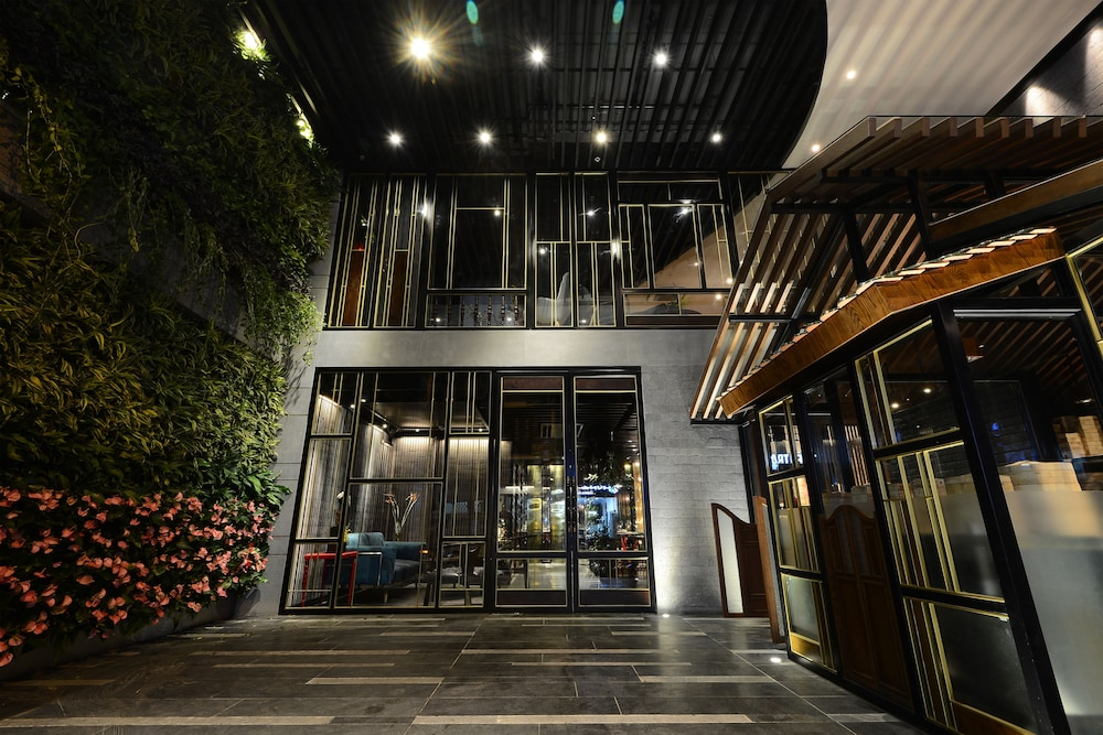 Book the chi boutique hotel hanoi hotel deals for Hanoi boutique hotel