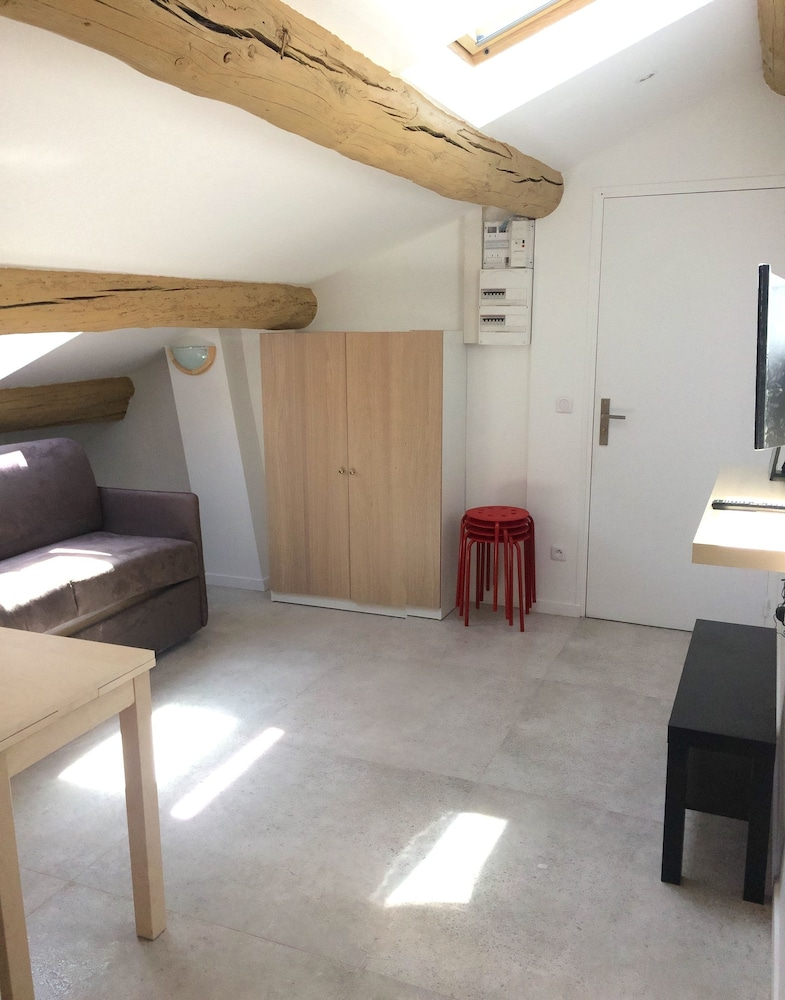 Appartement design marseille centre longchamp et vieux for Appartement design marseille