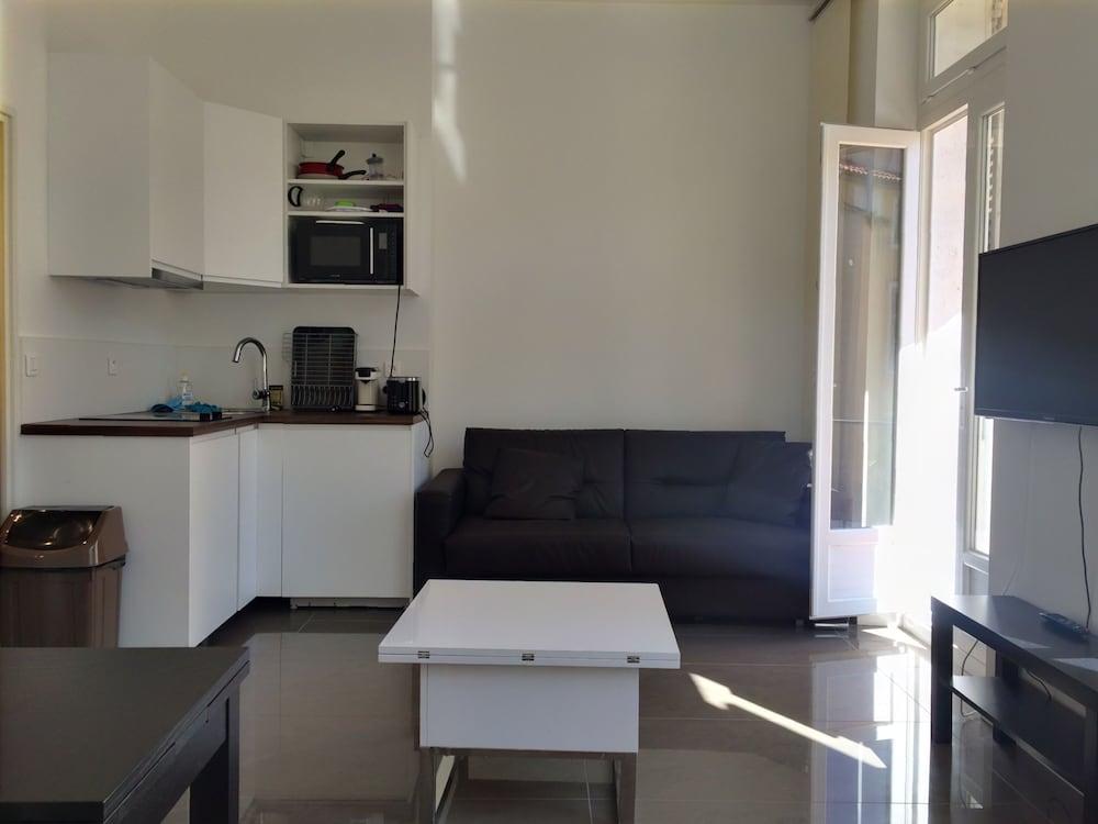 Appartement design marseille 54 capucins marseille for Appartement design marseille