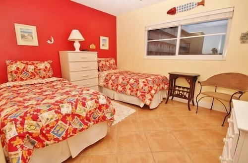 Sea Coast Gardens Ii 2 Bedroom Condo By Great Ocean Condos Reviews Photos Rates