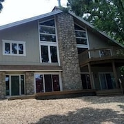 Hillside Hideaway 5 Bedroom Condo by Your Lake vacation