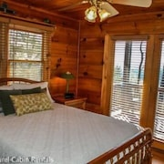 Sunset Ridge 3 Bedroom Apartment by Mountain Laurel Cabin Rentals