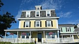 Harbor House Inn - Boothbay Harbor Hotels