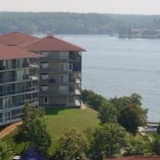 Palisades 160E 4A 3 Bedroom Condo by Your Lake vacation