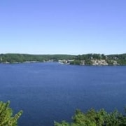 Falls 90 2B 2 Bedroom Condo by Your Lake vacation