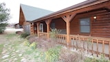Cabin Fever 3 Bedroom Condo by Sunset Realty - Ridgedale Hotels