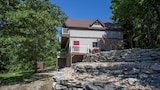 Ozarks Outdoor Legacy 5 Bedroom Condo by Sunset Realty - Ridgedale Hotels