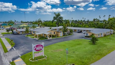 Everglades City Motel - Everglades Adventures Inn