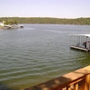 Darling Drive 3 Bedroom Condo by Your Lake vacation