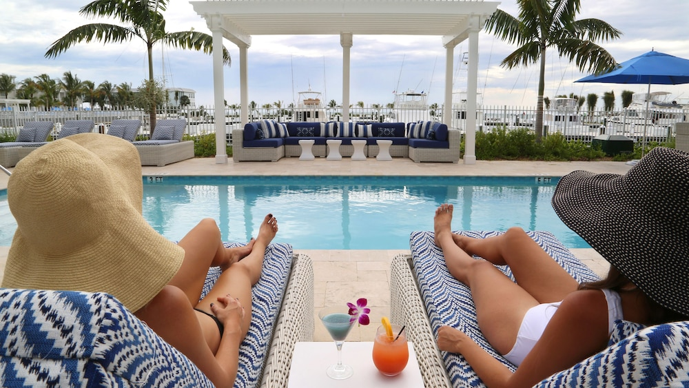 Outdoor Pool, Oceans Edge Key West Resort, Hotel & Marina