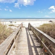 Mermaid s Playground 4 Bedroom Holiday home by Great Ocean Condos