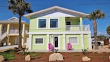 Mermaid s Playground 4 Bedroom Holiday home by Great Ocean Condos - New Smyrna Beach Hotels