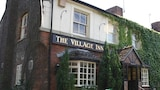 The Village Inn - Swindon Hotels