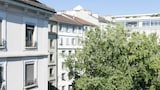 Domino no. 43 - 2BR Flat in City Center - Geneva Hotels