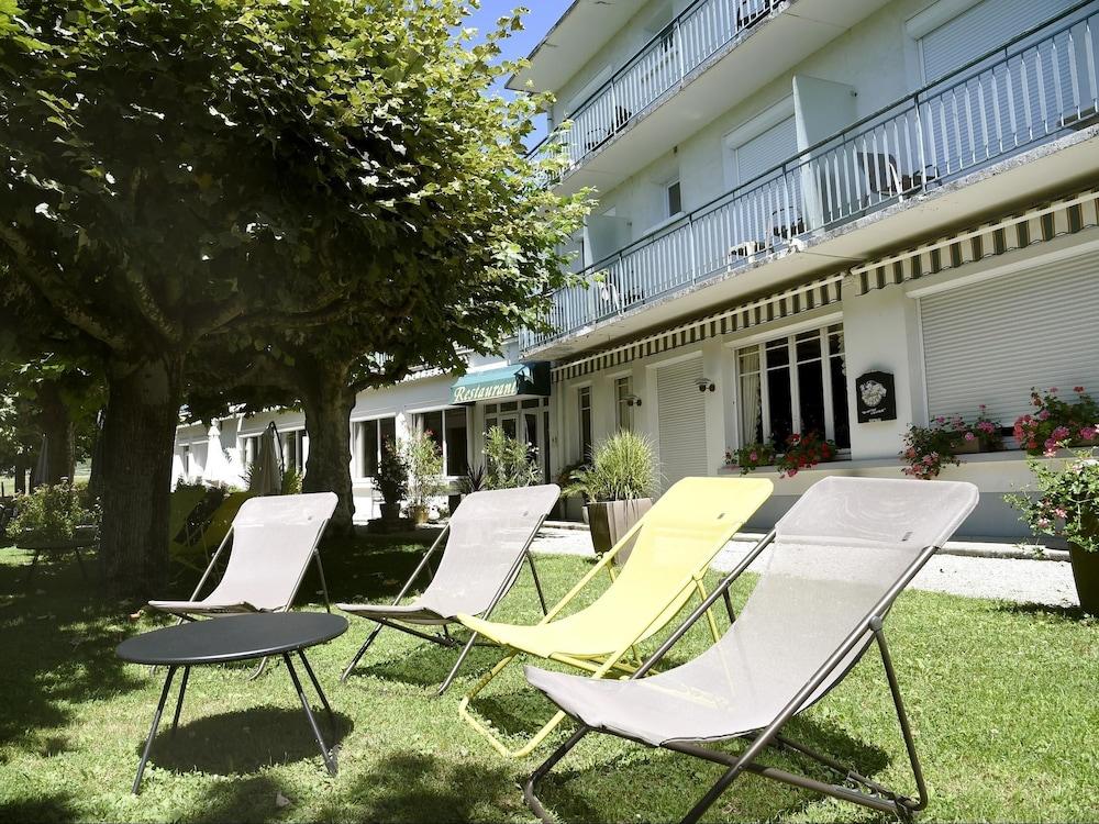 Book h tel les m sanges saint martin d 39 uriage hotel deals for Hotels uriage