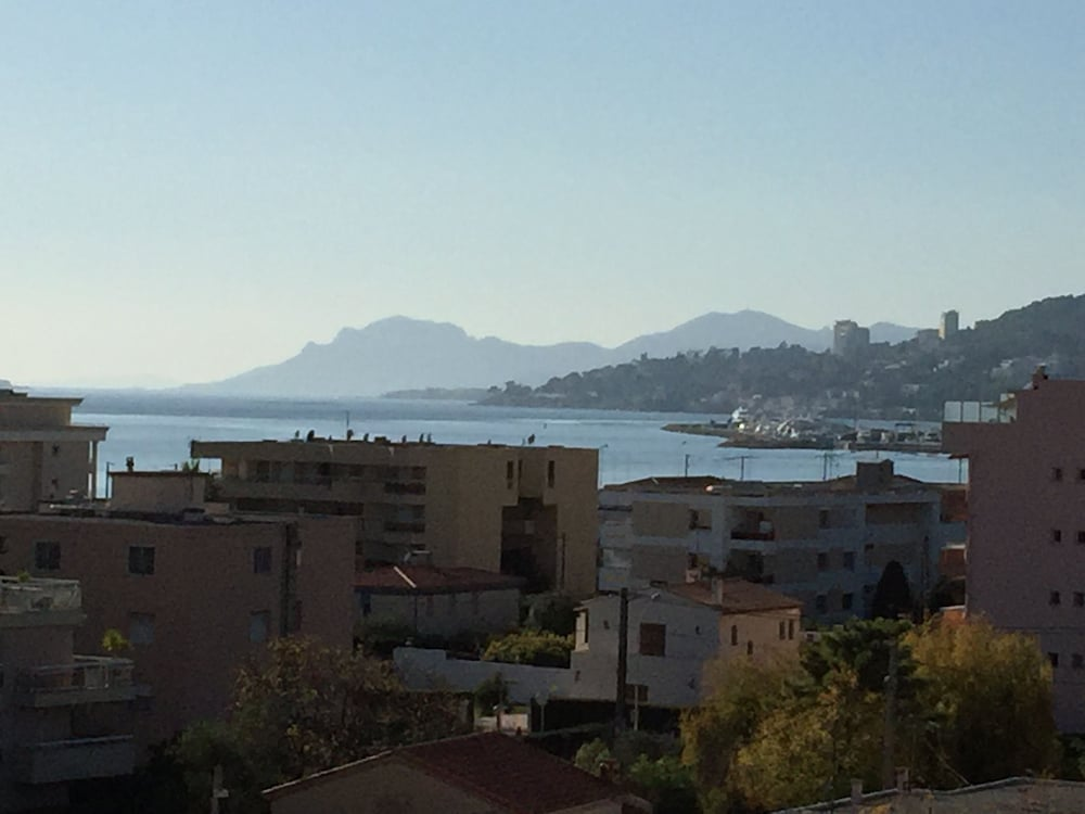 Appartement juan les pins le grand sud cannes france for Appart hotel france sud