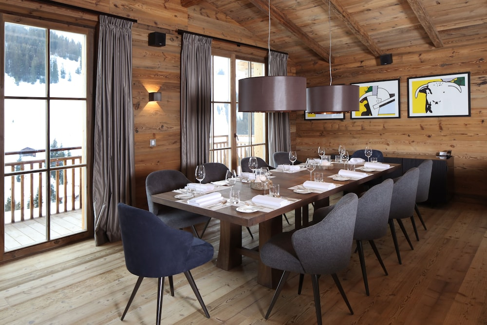 In-Room Dining, Severin*s The Alpine Retreat