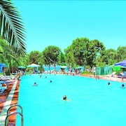 Mavi Holiday Village