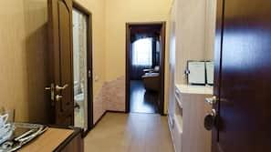 Premium bedding, minibar, individually furnished, blackout curtains