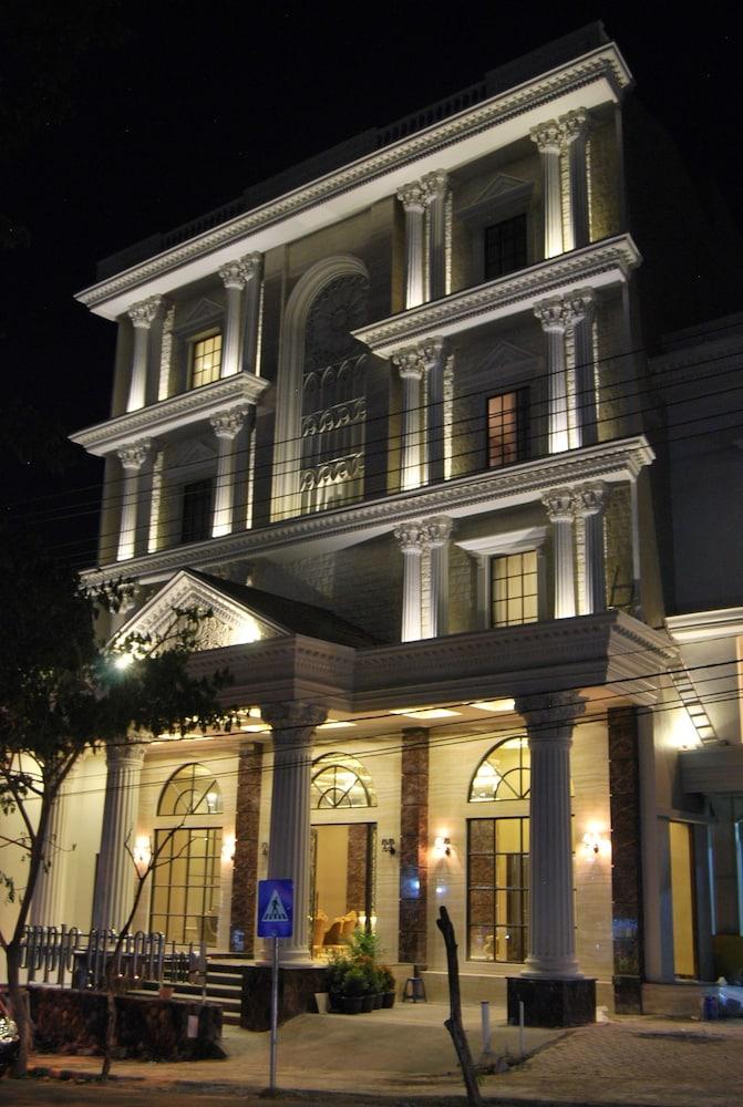 apple green hotel deals reviews batu idn wotif rh wotif com Wonderland Hotel Batu Malang Malang Hotel Murah